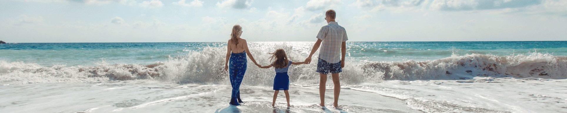 Beach Family 2000x400