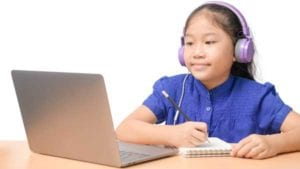 Child-and-patient-engaging-turing-telepractice-with-speech-language-pathologist